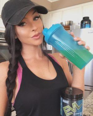 EVL ENGN Girl Shaker
