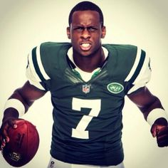 Geno Smith Flexing