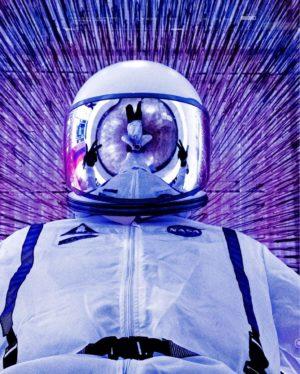 Glaxon Purple Astronaut