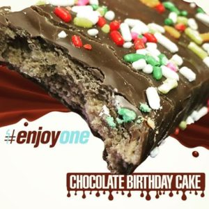 OhYeah! ONE Bar Chocolate Birthday Cake Closeup